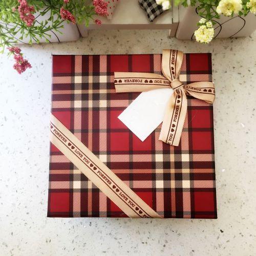 中正方形格子礼物盒3323