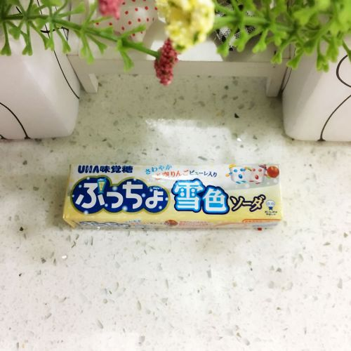 UHA悠哈味觉粒粒雪色白梳打乳酪软糖10粒(条装)