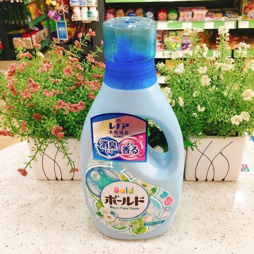日本花王花香洗衣液柔顺护色无荧光剂850g
