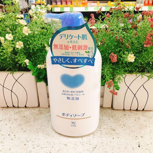 日本COW牛乳石硷柔和滋养沐浴露550ml