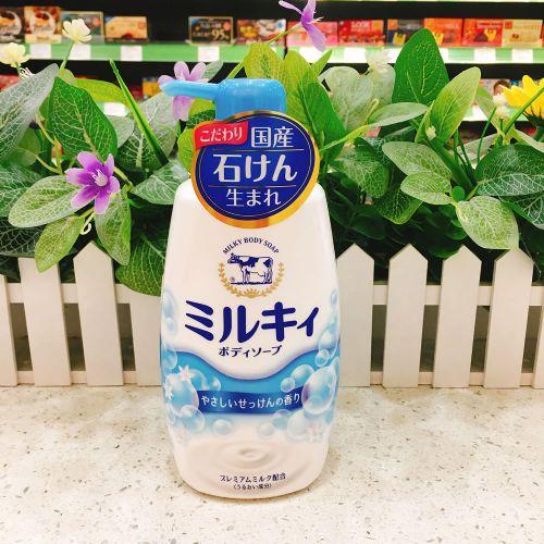 日本COW牛牌牛乳石碱保湿沐浴露550ml(香皂味)